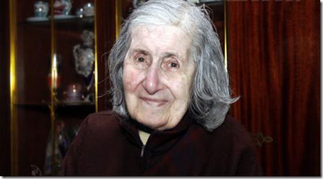 anna-der-avedikian2